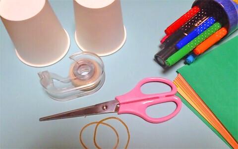単純だけど子ども大喜び! 紙コップで作る、跳ねるおもちゃ