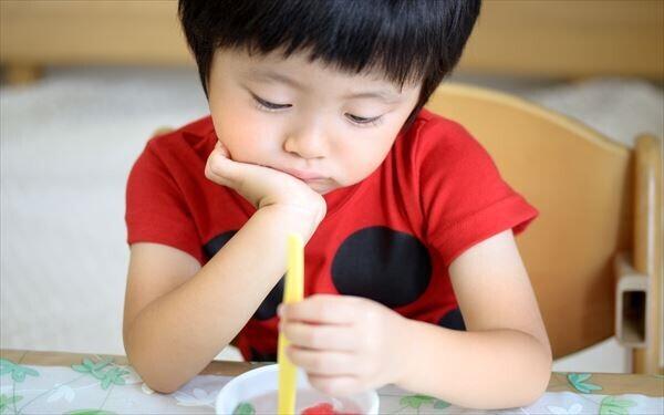 イヤイヤ期でご飯を食べない子供。どう対応したらいい?