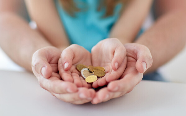 親子で考えたい、お金の大切さ――無駄遣いを楽しく減らす方法