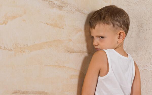 子どもの「やりたい!」気持ちを見守れば、感情の爆発は減っていきます