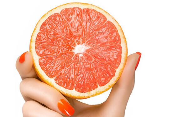 グレープフルーツの香りをかぐだけでダイエット効果があるのは、一体なぜ?