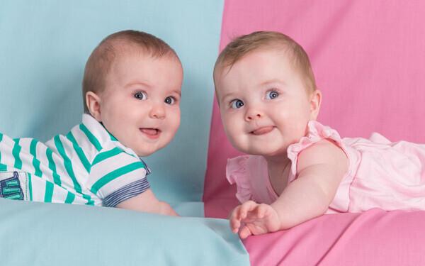 慣れない双子育児で心配。そんな時、ベビーシッターはどこで頼む?