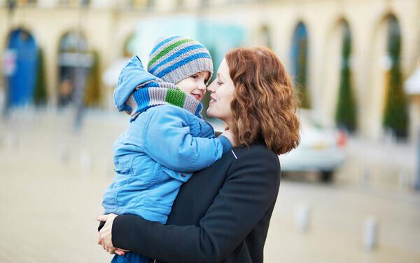 保育園だけでなくヌヌやベビーシッターも利用するフランスのワーキングマザー