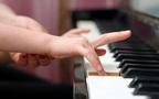 大手と個人ではこんな違いが! ピアノを習わせるならどっちがいい?