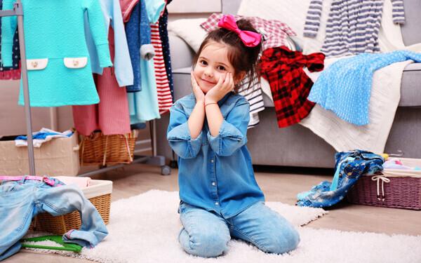 自分が持っている服が雑誌のようにきれいに並んでいる写真集があると、子どもは不思議と服を大切に意識するようになってきます
