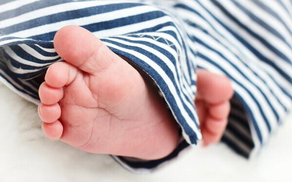 足裏への刺激以外で赤ちゃんの脚をすこやかに発達させるために大切なこと