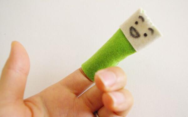 フェルト生地の手作りおもちゃ(1)指人形