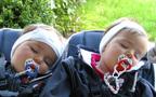 【双子育児】双子の赤ちゃんとの初めてのお出かけ・ご近所編