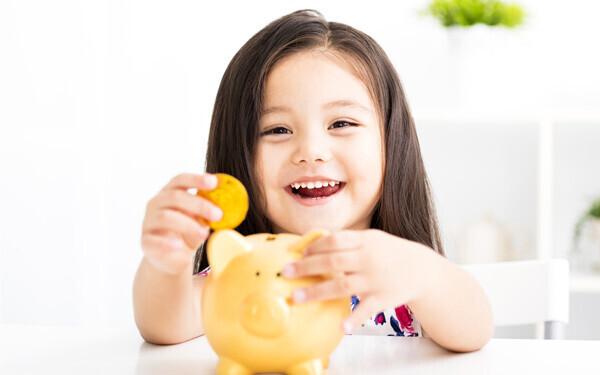 「貯金は長くコツコツと続けていくことが一番効果的」と言う、ファイナンシャルプランナーの畠中雅子さん。「長くコツコツ」を続けるために、いちばん大切なこととは?