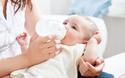 母乳育児に搾乳器は必要? 手動、電動のメリットとおすすめ商品