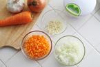 野菜嫌いキッズに~引っ張るだけのみじん切り器「ぶんぶんチョッパー」で楽しく克服