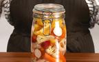 【動画】ビタミンカラーで夏の食卓を彩る、「作り置きピクルス」
