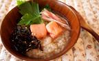 暑くて食欲不振…  夏の胃腸にやさしい「麦茶がゆ」のレシピ
