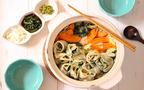 野菜たっぷりの「お花餃子鍋」が、 バラみたいにかわいいと子どもにも好評!【今日の時短ごはん Vol.36】