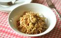 便秘解消にはこのレシピ! 食物繊維たっぷりのおから和えサラダ