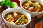 15分で春野菜の甘みを凝縮! 「春キャベツとウインナーのカレースープ」