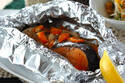 野菜もたっぷりとれる! 秋の味覚「鮭のバターホイル焼き」