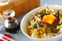 TKGアレンジレシピが激ウマ!「漬けアボカドの卵かけご飯」