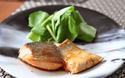 お弁当にもぴったり!「鮭のバタポン炒め」