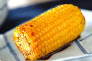 お家にいながら屋台グルメを堪能しよう 「フライパンで焼きトウモロコシ」