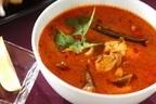 スパイシーな食べるスープ「鶏とオクラのトマトスープ」