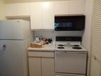 冷蔵庫がうるさい原因は?自分でできる対処法やメーカーの対応を紹介
