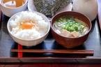 味噌汁の位置は関東と関西で違う?恥をかかない和食のマナーを学ぼう
