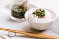 ご飯の冷凍は熱々を包むのが常識?美味しく保存・解凍するコツも紹介