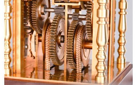 「和時計」の復刻モデルをつくりあげるマガジン