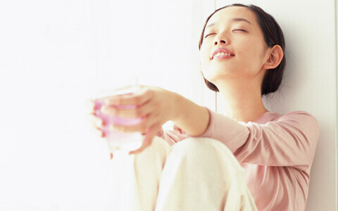 ●●をしている人は実年齢より老ける?! あなたのクセがお肌へ与える悪影響を暴く【前編】