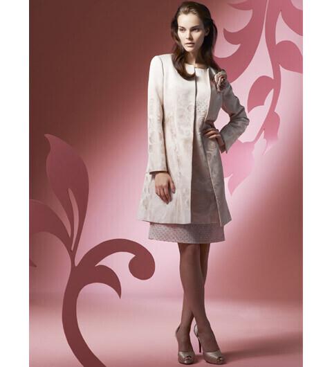 自分の美しさを知り尽くした大人の女性のための服、「ウンガロ・ソワ」日本橋高島屋にデビュー