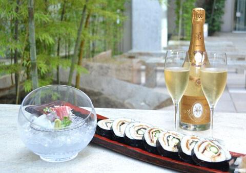 ラグジュアリーホテルの「寿司屋の和テラス」で大人夕涼み
