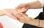 いつでもどこでも気軽にできる「指ヨガ」でキレイになる!!