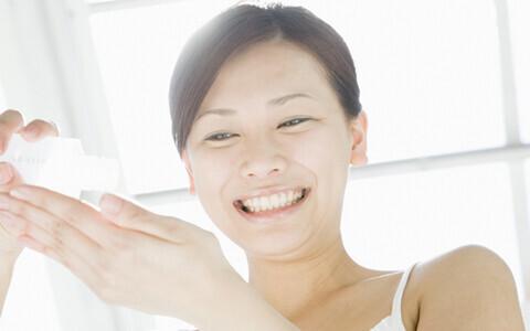 小顔作りのための「パチパチ化粧水浸透法」