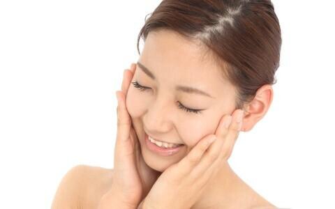 美容成分の浸透力をアップさせる ブースター美容液の活用法