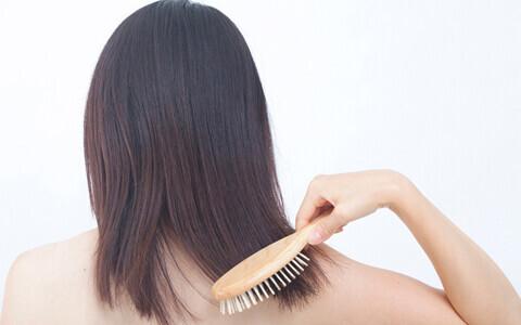 髪の毛こそ日焼けでダメージ、秋すぐにしたいスペシャルケア