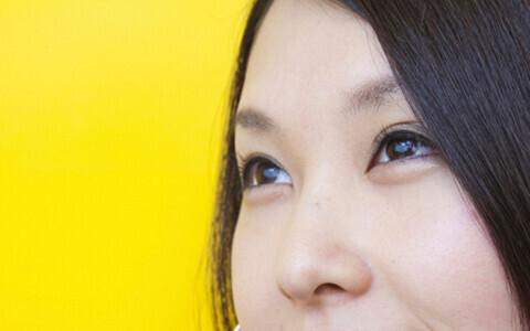 黒髪・ぽわ眉・涙袋…最近流行のヘアメイクって本当にモテるの?