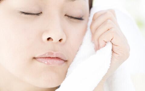 冬の乾燥肌対策に、蒸しタオル美容法と3つのお得ポイント