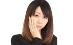 眉毛を抜くと老け顔になる? まぶたをたるませる意外な原因とは