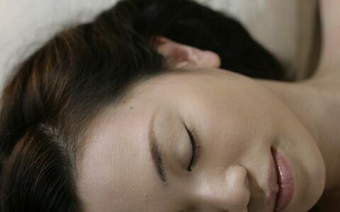若々しい美肌を手に入れるための「正しい睡眠」とは?