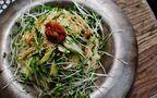 野菜だけなのに大満足「焼き茄子とアボカドのさっぱりヘルシー素麺」