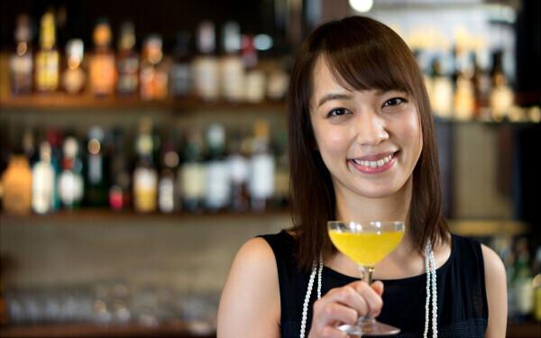 お酒が苦手でも大丈夫、出会いの宝庫「バー」で恋人を見つける秘訣