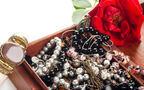 D&GのブレスレットにALESSIの置物…イタリア女性に人気のアンティーク4選