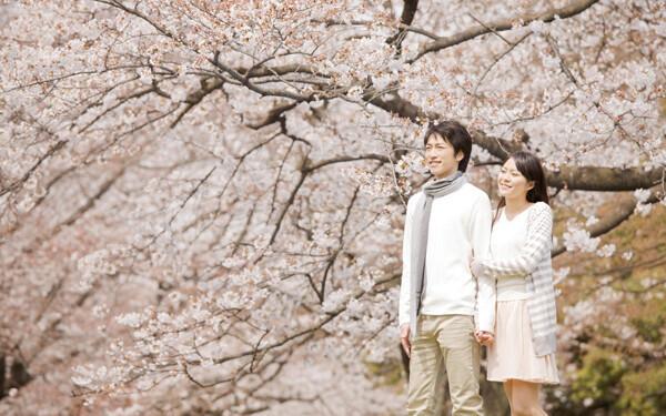 ちょっとしたことで印象が変わる、お花見デートで彼が残念に思うこと、喜ぶこと