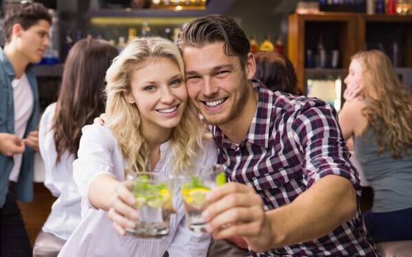 婚活パーティーや合コンで気になる男性から声を掛けてもらう方法