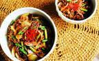これで残暑を乗り切れる! 食欲をそそるピリ辛な中華風牛丼