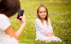 スマホを逆さにすると◎ スマホカメラで子どもを上手に撮るコツ