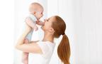 ママの「腰痛」を防ぐ! 正しい「抱っこ&授乳」の仕方と簡単ストレッチ