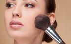 シワ、色ムラ、肌のでこぼこ…大人の肌悩みを解決する「ブラシ」活用法