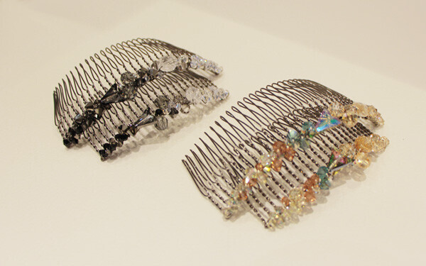 Crystallized Large Wire Comb \\18,000(税抜)Crystallized Medium Wire Comb \\14,000(税抜)/colette malouf